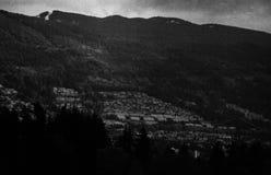 Ciel nuageux à Vancouver noir et blanc photo stock