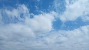 Ciel nuageux banque de vidéos