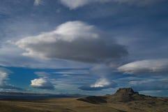 Ciel nuageux au-dessus de désert de Patagonia Images libres de droits