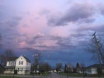 Ciel nuageux de coucher du soleil Image stock