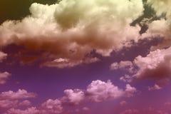 Ciel nuageux de cumulus color? merveilleux pour l'usage dans la conception comme fond images libres de droits