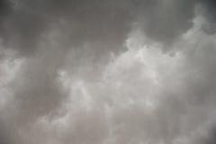 Ciel nuageux de pluie Photos stock