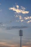 Ciel nuageux de projecteur et d'orage Image libre de droits