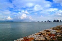 Ciel nuageux et brise marine Photographie stock