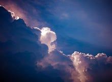 Ciel nuageux dramatique Images libres de droits