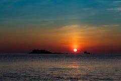Ciel orange Vietnam de lever de soleil Photos stock