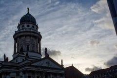 Cieli nuvolosi Germa di Berlin Charlottenburg Sunrise Dark Silhouette Immagine Stock Libera da Diritti