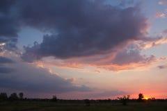 Cielo, árboles, naranja, puesta del sol, sol foto de archivo