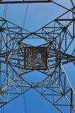 Cielo ad alta tensione della torre di postHigh-tensione Fotografia Stock Libera da Diritti