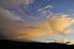 Cielo agradable en la puesta del sol Imagen de archivo libre de regalías