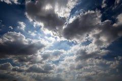 Cielo agradable y nube clara imagen de archivo libre de regalías
