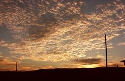 Cielo anaranjado ardiente de la puesta del sol Cielo hermoso Foto de archivo libre de regalías