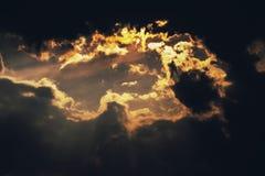 Cielo anaranjado de la puesta del sol Imagen de archivo libre de regalías