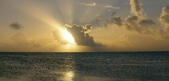 Cielo arancio di alba fotografie stock libere da diritti
