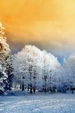 Cielo arancione in montagna Immagini Stock