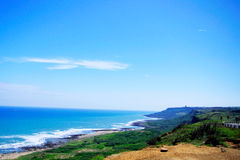 Cielo azul al lado del camino Imagenes de archivo