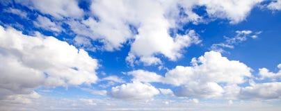Cielo azul brillante Imagen de archivo