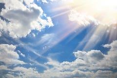 Cielo azul claro con sol Imagen de archivo libre de regalías