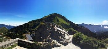 Cielo azul claro en el parque Taiwán de Taroko Mountain View foto de archivo libre de regalías