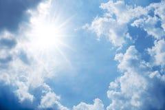 Cielo azul con el fondo de la nube Imágenes de archivo libres de regalías
