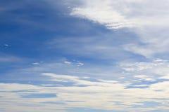 Cielo azul con el primer de la nube Imágenes de archivo libres de regalías