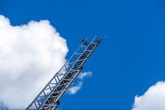 Cielo azul con las nubes y la escalera Imagen de archivo libre de regalías