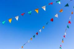Cielo azul de los colores de las banderas Imagen de archivo libre de regalías
