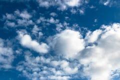 Cielo azul del algodón Fotografía de archivo libre de regalías