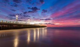 Cielo azul del embarcadero de la puesta del sol de la salida del sol del paisaje urbano de Durban Imagen de archivo