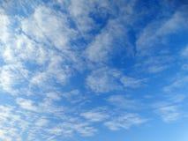 Cielo azul del resorte Fotografía de archivo libre de regalías