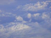 Cielo azul, despejado Arkivbilder