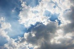 Cielo azul dramático Imagen de archivo