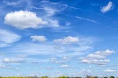 Cielo azul en verano Foto de archivo libre de regalías