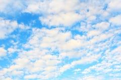 Cielo azul hermoso Fotos de archivo