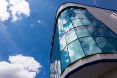 Cielo azul hermoso con las nubes Foto de archivo