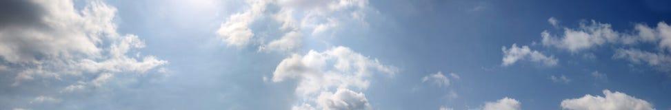 Cielo azul panorámico foto de archivo
