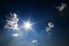 Cielo azul profundo Foto de archivo libre de regalías