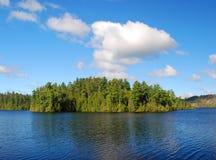 Cielo azul y agua imagen de archivo libre de regalías