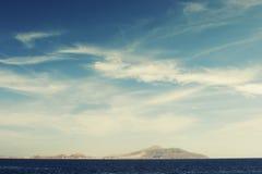 Cielo azul y mar Fotografía de archivo