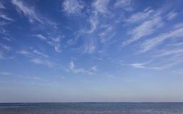 Cielo azul y mar Imágenes de archivo libres de regalías