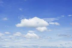 Cielo azul y nube Foto de archivo libre de regalías