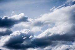 Cielo azul y nube blanca fotografía de archivo libre de regalías