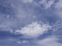 Cielo azul y nubes Foto de archivo libre de regalías