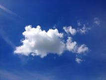 Cielo azul y nubes Imagen de archivo libre de regalías
