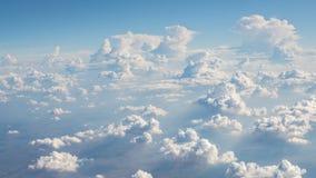 Cielo azul y nubes de la belleza en naturaleza Fotos de archivo libres de regalías