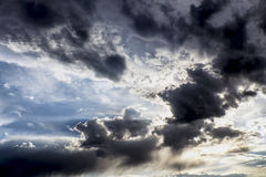 Cielo azul y nublado Imagen de archivo libre de regalías