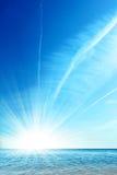 Cielo azul y océano fotos de archivo libres de regalías