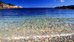 Cielo azul y olas oceánicas metrajes