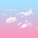 Cielo azul y rosado con nublado Foto de archivo