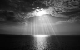 Cielo blanco y negro de la nube fotos de archivo libres de regalías